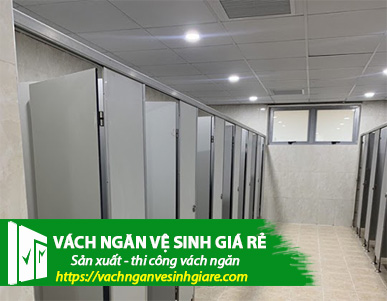 vach ngan ve sinh gia re